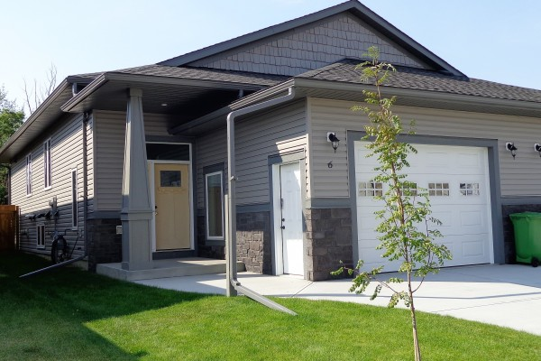 $349,900 w/gst rebate to builder    6 DESTINY LANE