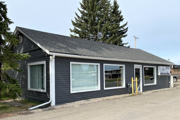 $329,000  4702 - 52nd Avenue, Olds